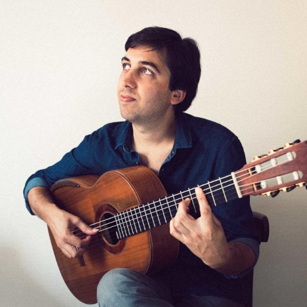 sesbastien Llinares et sa guitare